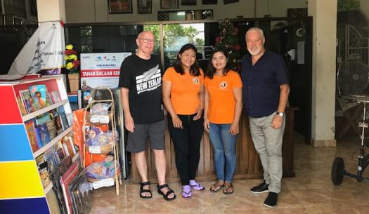 Des Penny Visits Bali Orphanage YKPA